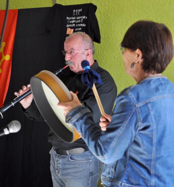 Roland et Marie-Pascale : hautbois et tambourin